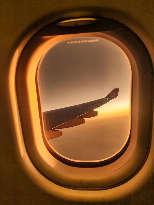 Dormir dans l'avion : voyagez détendu grâce à 9 conseils éprouvés !